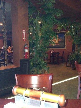 Crest Bar & Grill