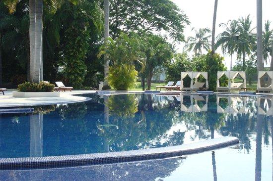 Casa Velas : Pristine pool on main resort grounds