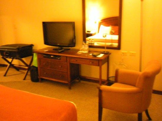 Hotel Quito: Otra vista de la habitación
