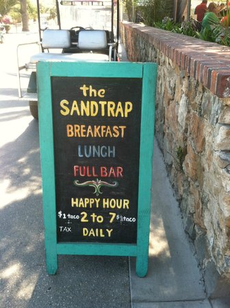 The Sandtrap Restaurant and Bar: Happy Hour at the Sandtrap