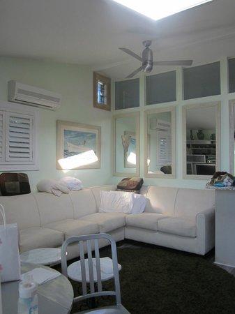 Beach Plum Resort: living room #3