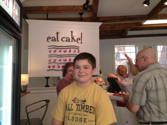 "Taste Newburyport Food Tour: Tasting awesome cupcakes at ""Eat Cake"""
