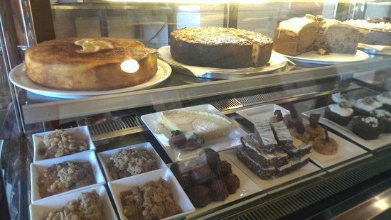 Cafe 109: Delicious Sweet Treats