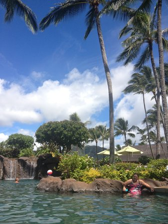Kauai Coast Resort at the Beachboy: Large pool with a nice waterfall at the end of it