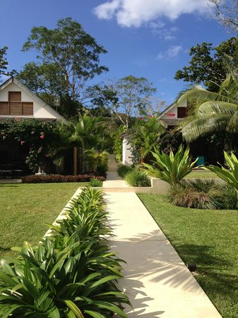 Villa 25: immaculately maintained grounds