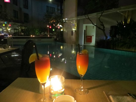 Kuta Central Park Hotel: Welcome Drinks at BBQ Dinner