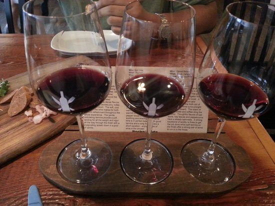 Trio Tasting Picture Of The Wine Kitchen Leesburg