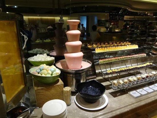 Chateau de Chine Hotel Hualien: dinner buffet