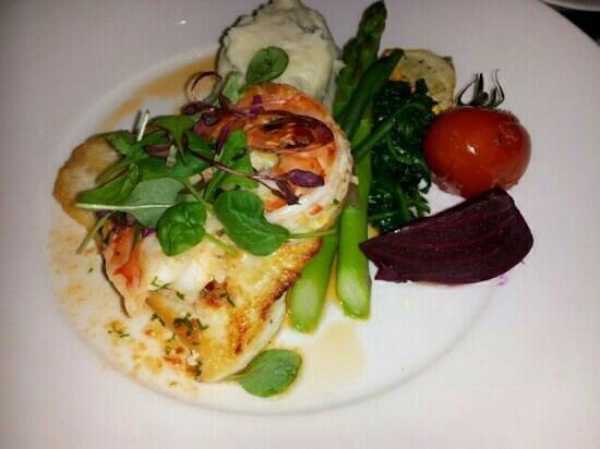 Restaurant 62: Saturday special-halibut and prawn