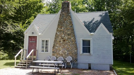 Gilcrest Cottages and Motel: sleeps4-6