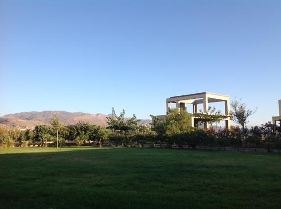 Cavo Spada Luxury Resort & Spa: widok z tarasu