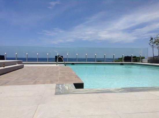 Crowne Plaza Santo Domingo: amazing pool and view best I've seen