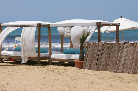 Radisson Blu Resort & Spa, Malta Golden Sands: Private beach area