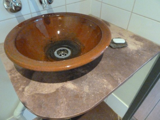 Bungle Bungle Savannah Lodge: Handbasin