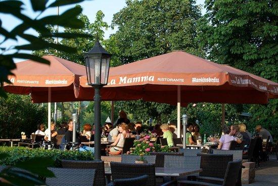Bronnbacher Hof: Sonnenterrasse