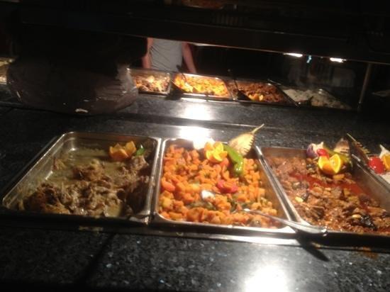 El Mouradi Djerba Menzel: stews chicken fish and lamb