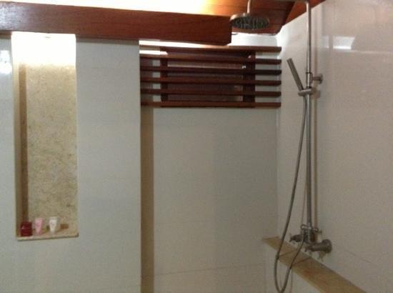 Baan Laanta Resort & Spa : doccia