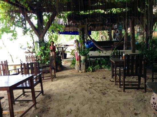 Baan Laanta Resort & Spa: zona bar ristorante