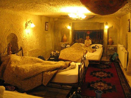 Caravanserai Cave Hotel : Cave room