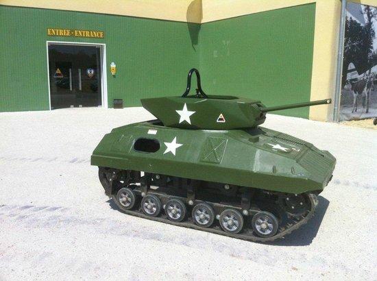 Normandy Tank Museum: PARCOURS EN CHAR MINIATURE COMME PILOTE