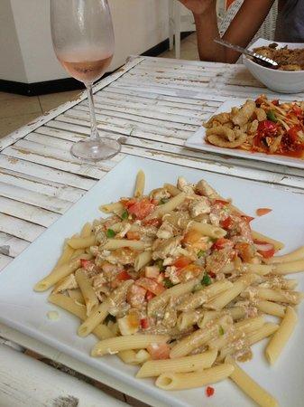 Hacienda Beach Restaurant: Pasta salad