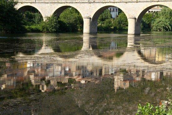 Cessenon-sur-Orb, Francia: Nearby Roquebrun