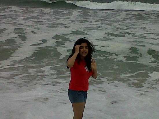 Half Moon Bay State Beach: She dared the cold waves
