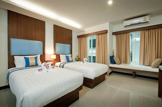 Blue Sky Patong : Surerior Twin Rooms