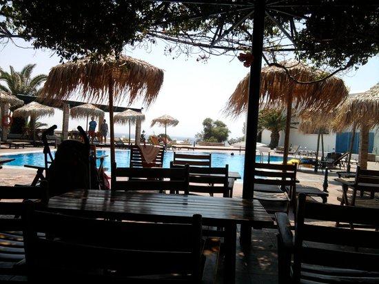 Hotel Kavuras Village: il bar piscina del villaggio