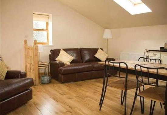 The Woodlands: Self Catering. The Barn, Living area