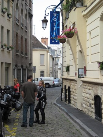 Hotel Azur: Eingang
