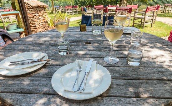 Petite Fleur at Seifried Estate: Outdoor seating