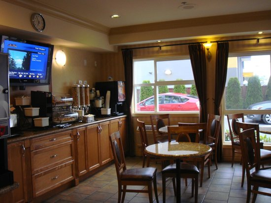 BEST WESTERN Peace Arch Inn: Breakfast Dining Room