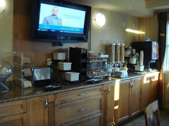 Best Western Peace Arch Inn: Breakfast Buffet
