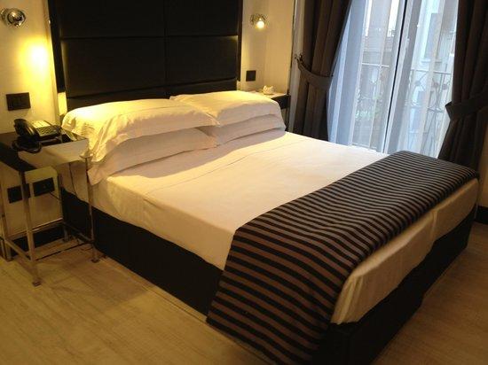 Hotel Napoleon: Letto camera 301 singola superior