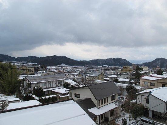 Shimaya Ryokan: Balcony View