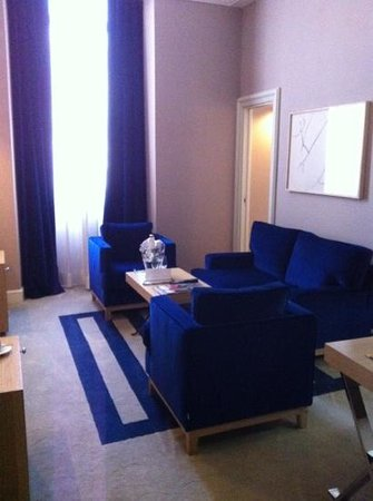 The First Roma: Lounge in our Junior Suite