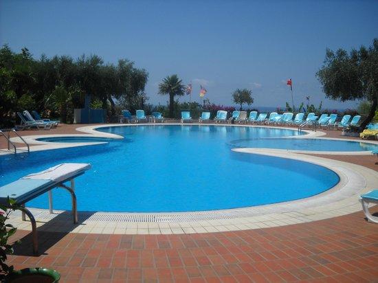 La Pizzuta: piscina