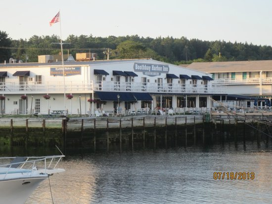 boothbay harbor Browns wharf inn provides boothbay harbor lodging, dining, and fishing with it's a hotel, restaurant, and waterfront marina.