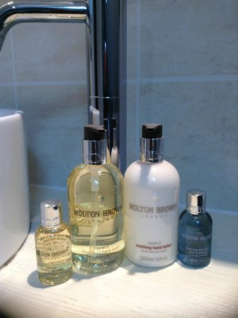 Tranquil Waters: Molton Brown Products In Guest Bathrooms