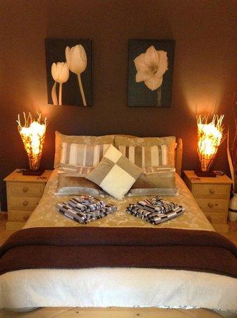 Tranquil Waters: Eleanor Bedroom