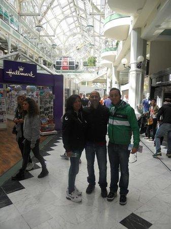 St. Stephen's Green Shopping Centre: interno del centro commerciale
