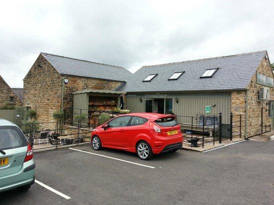 Marsh Green Farm Shop Cafe: Shop Front