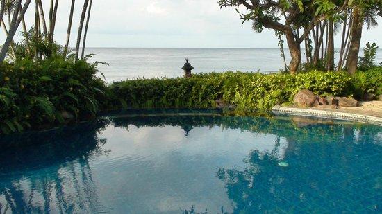 Santai Hotel Bali: Vue devant Bungalow n°1