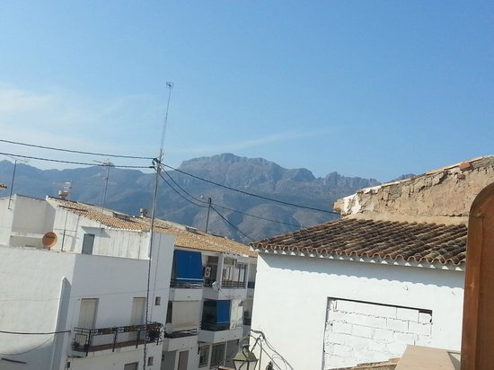 Hotel Abaco Altea: View to the right from our little balcony.