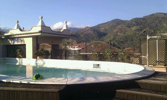 D'Orange D'Alcantara: piscina al 4° piano