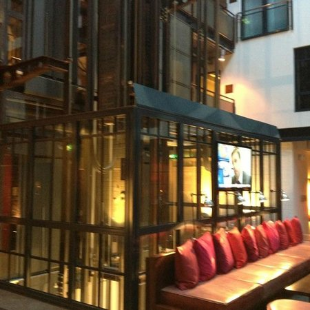 Gastwerk Hotel Hamburg: lobby/reception area