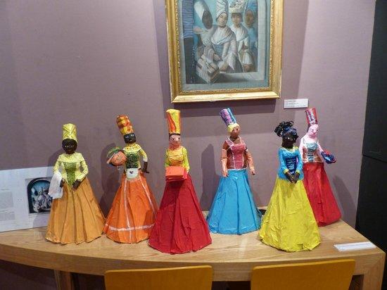 Musee Schoelcher : exposition cm2 dans le musée