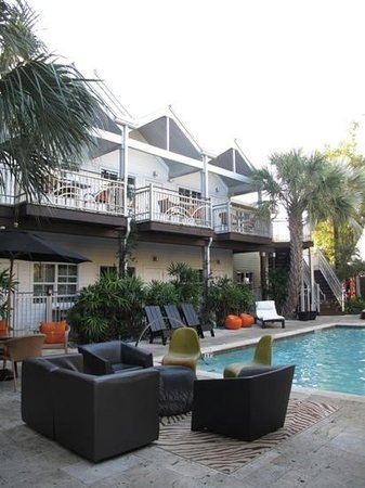 Truman Hotel: Le patio et la piscine