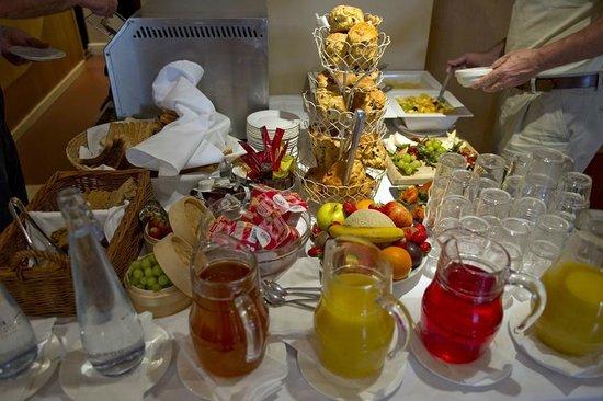 Headfort Arms Hotel: Breakfast Buffet